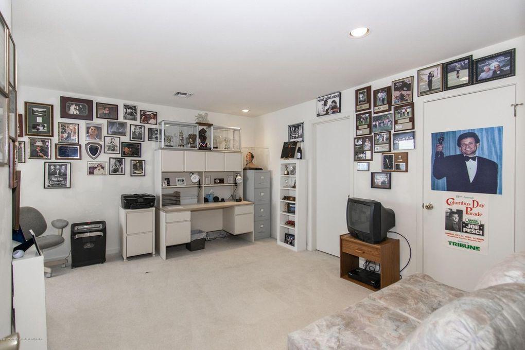 Joe Pesci's office