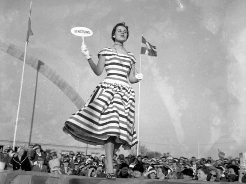 Model in Tea Dress