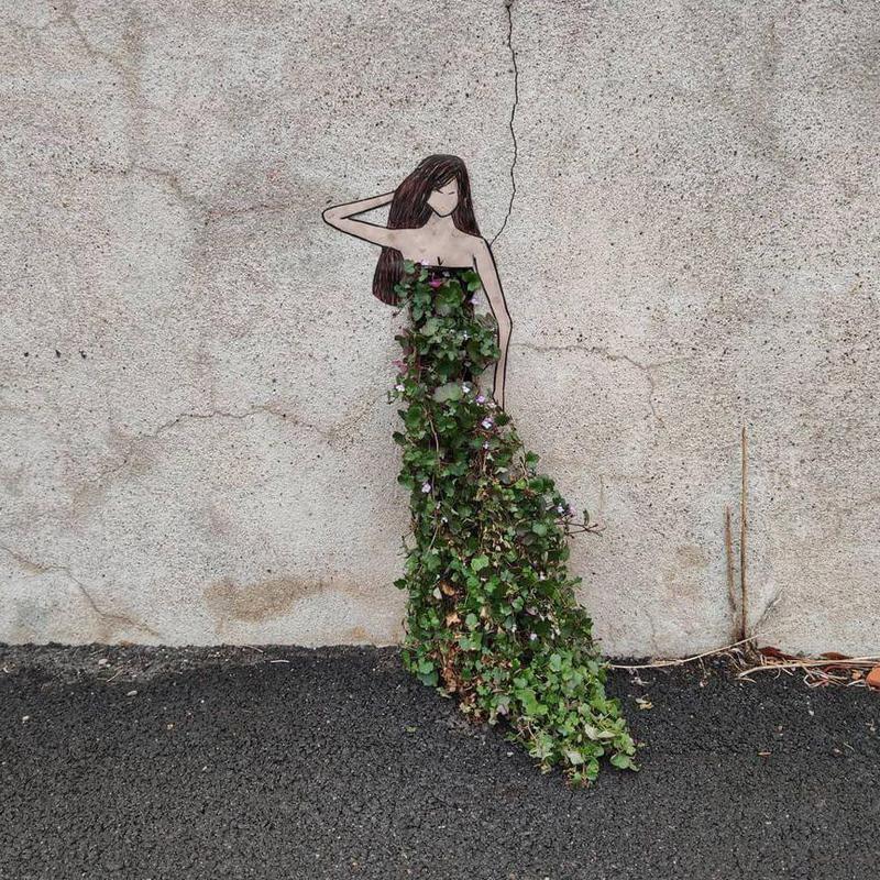 Woman street art in France