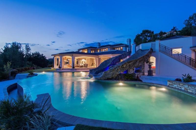 Anthony Davis' house