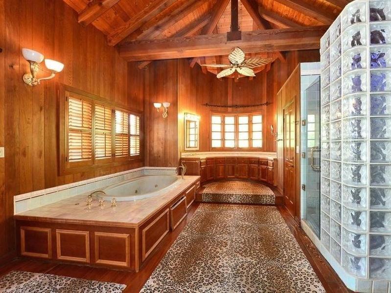 Tom Petty's old bathroom