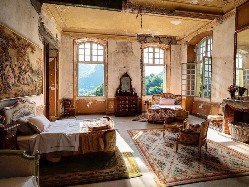 Chateau de Gudanes interior