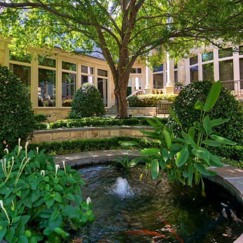 Koi pond and garden in Dallas