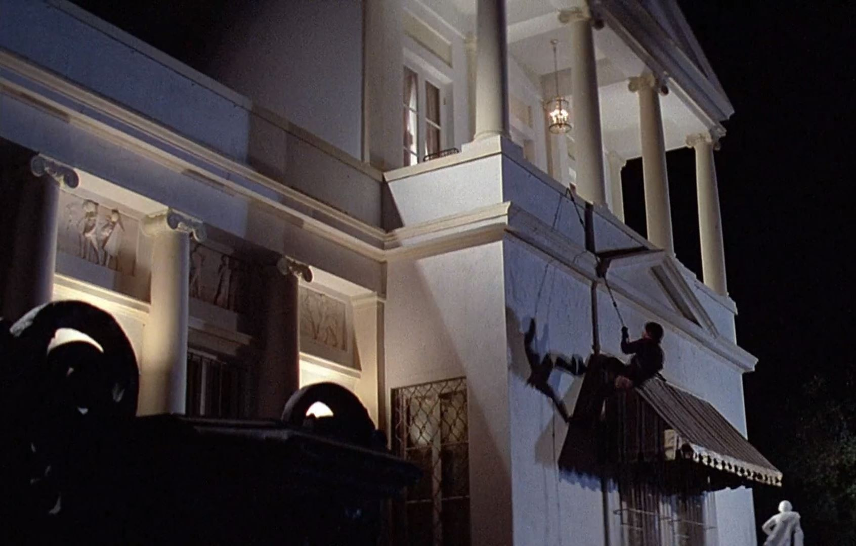 Scaling the building in Scarface