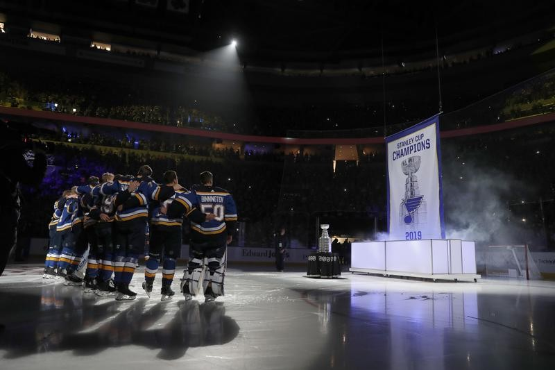 St. Louis Blues watch Stanley Cup championship banner be raised in 2019