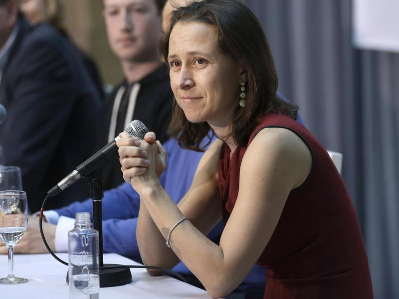 23andMe CEO Anne Wojcicki speaks at an announcement for the Breakthrough Prize in Life Sciences at the University of California, San Francisco in 2013.