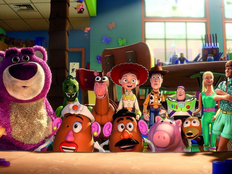 Tom Hanks, Joan Cusack, Michael Keaton, Tim Allen, Ned Beatty, John Ratzenberger, Wallace Shawn, Jodi Benson, Blake Clark, Estelle Harris, and Don Rickles in Toy Story 3 (2010)