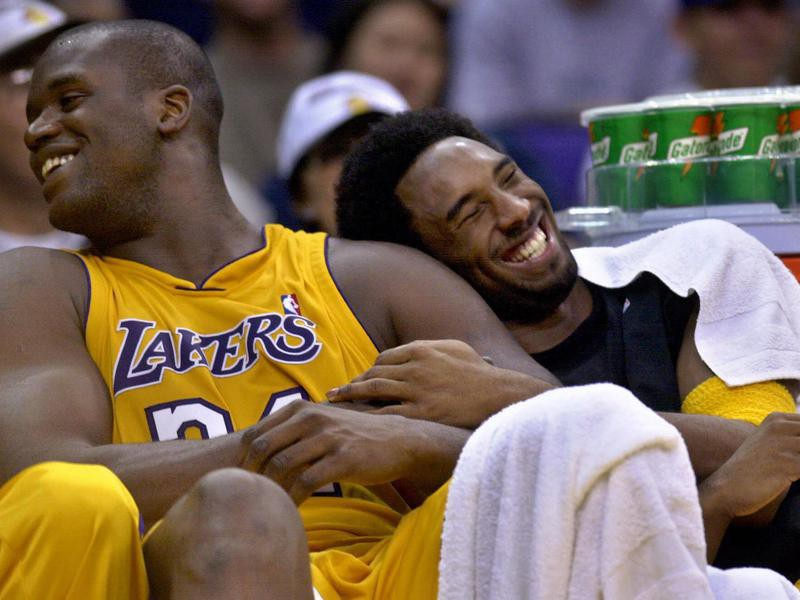 Shaq and Kobe laughing on bench
