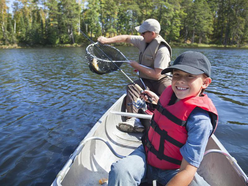 Family fishing in Minnesota