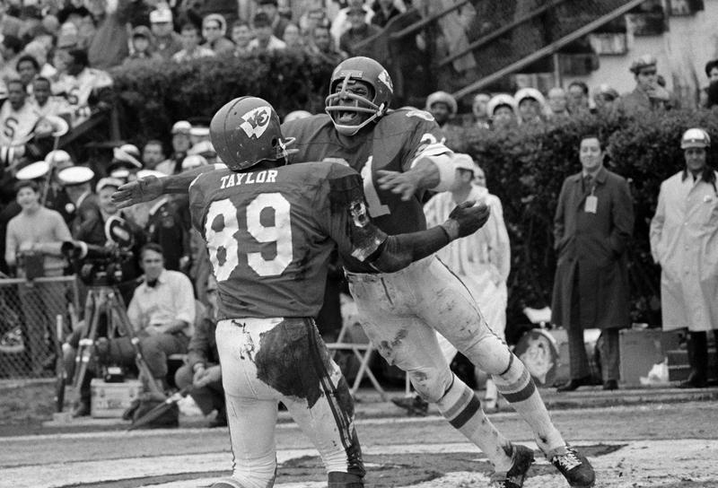 Otis Taylor and Mike Garrett in Super Bowl IV