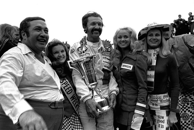 Richard Petty poses with trophy after winning Daytona 500