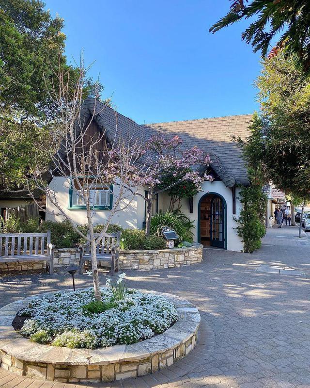 Carmel-by-the-Sea beach cottage