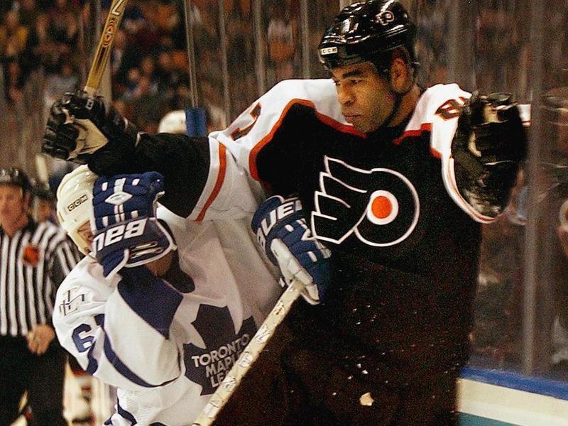 Philadelphia Flyers left wing Donald Brashear