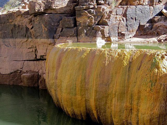 Pumpkin Spring Pool in Grand Canyon