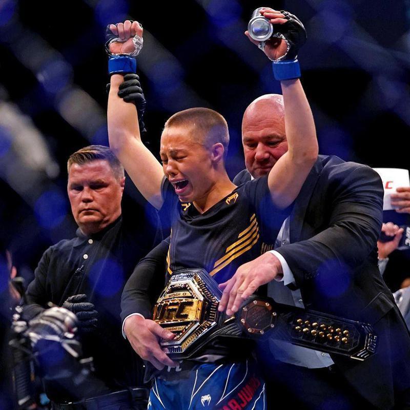 Rose Namajunas winning a UFC belt