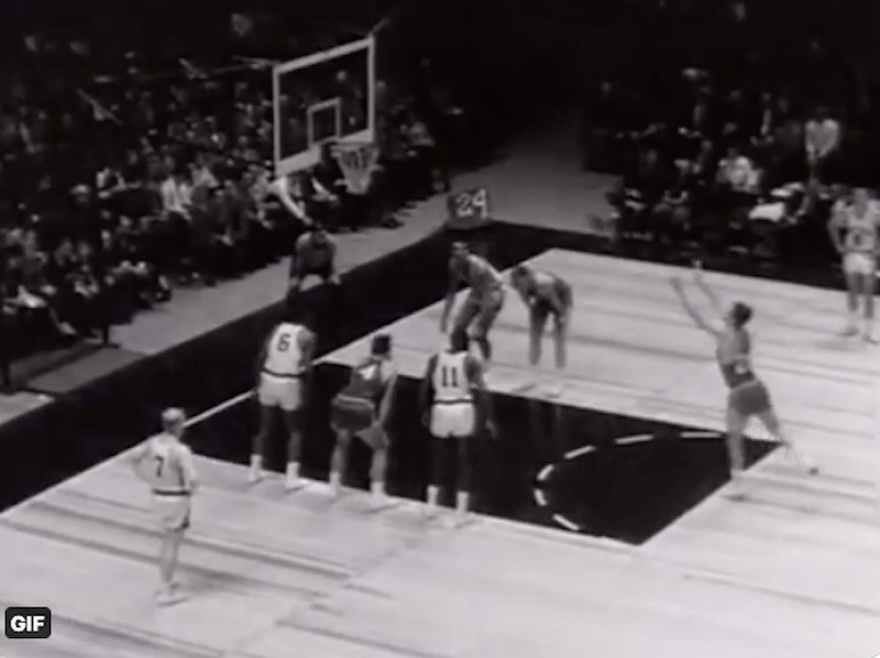 Dave Gambee shoots free throw