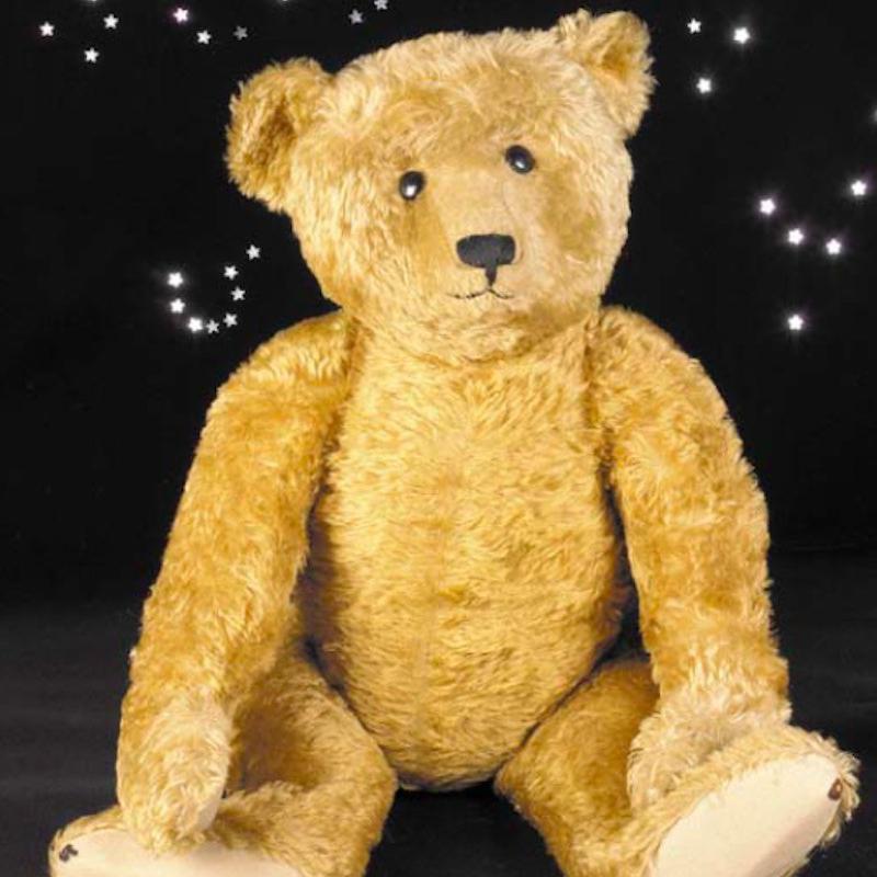 Bruin Steiff Teddy Bear siting