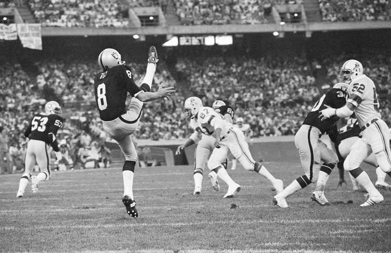 Ray Guy in action punting